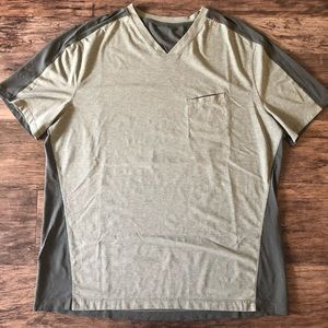 Men's Lululemon V-Neck Shirt Green Olive XXL